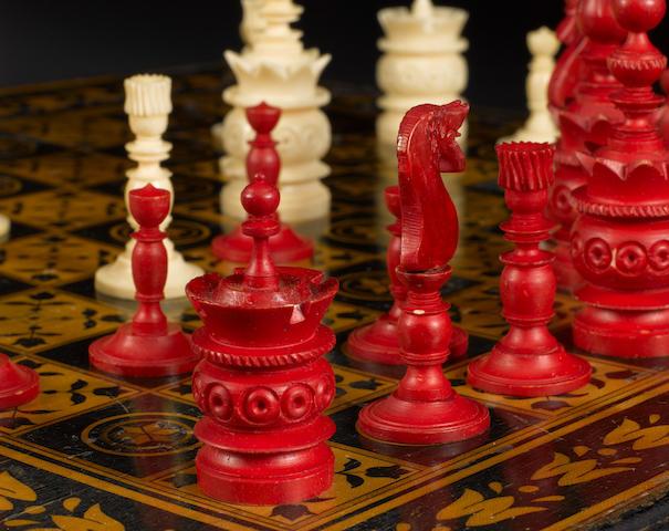 "A ""Barleycorn Pattern"" bone chess set, Germany, 19th century,"