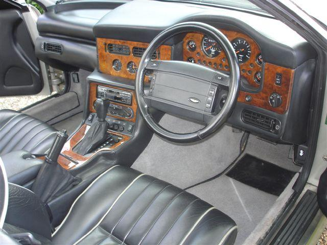 1994 Aston Martin Virage Volante  Chassis no. SCFDAM2CORBR60130 Engine no. 89/60130/A