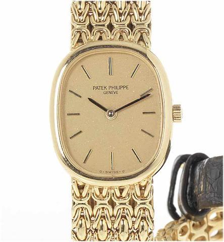 Patek Philippe. A fine lady's 18ct gold bracelet watch 1970's
