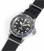 Rolex. A rare stainless steel automatic centre seconds Royal Navy Military Issue divers watch  Submariner, Ref:5513, Case No.3826403, Made in 1971, Issued in 1975.