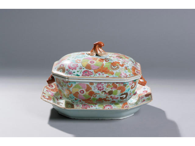 """A Qianlong famille rose """"pseudo tobacco leaf"""" decorated tureen"""