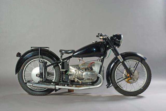 1952 Universal 600 2B Sport