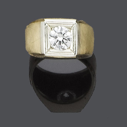 A gentleman's diamond single-stone ring