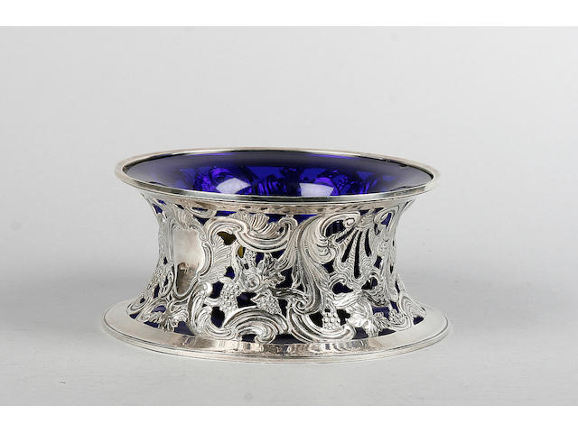 A 20th century silver ring dish and liner Dublin 1927 West & Son  (2)