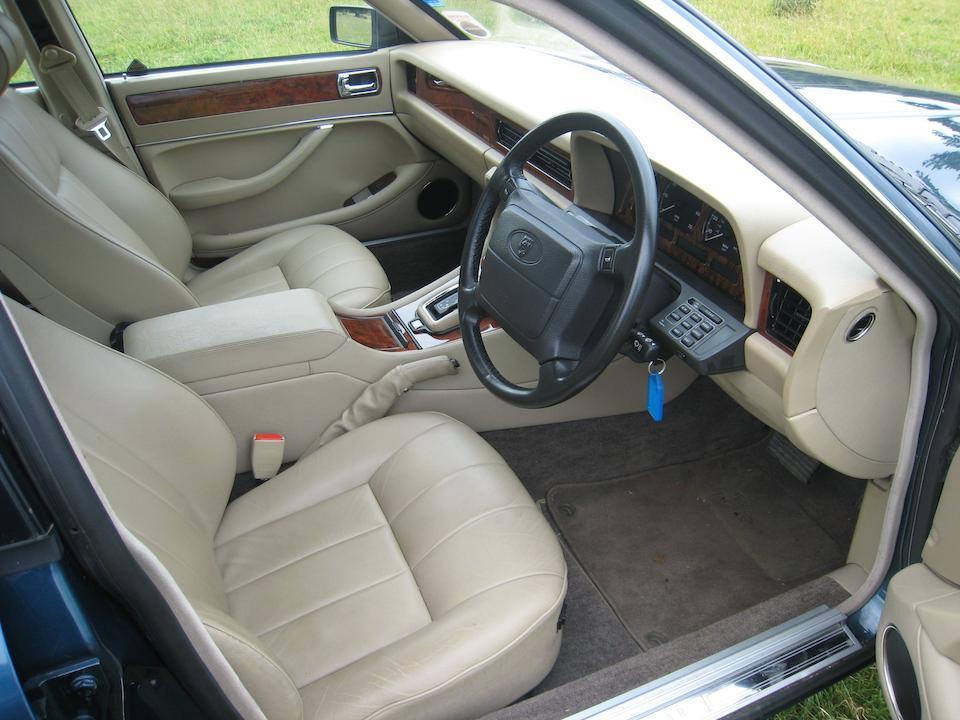 1994 Jaguar XJ6 Gold 3.2-Litre Saloon  Chassis no. SAJJFALG3AJ704122 Engine no. GBPMNA119666