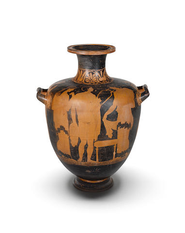 A large early Apulian red-figure hydria