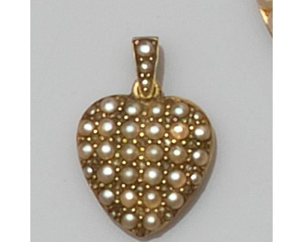A collection of antique jewellery