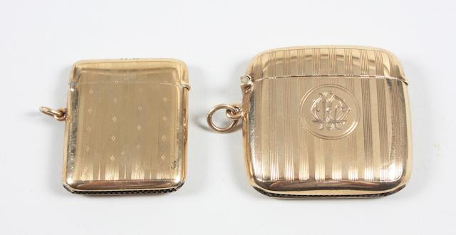 A 9 carat gold vesta case Birmingham, 1919,  (2)