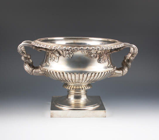 A silver variation of The Warwick Vase By The Goldsmiths and Silversmiths Company Ltd, London, 1913,