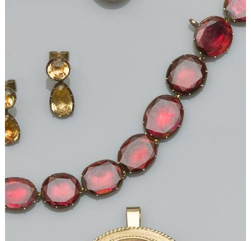 A Georgian garnet rivière necklace