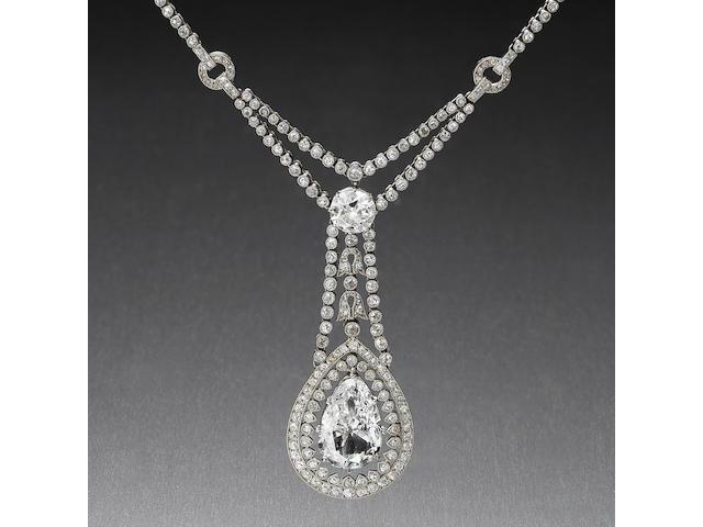 A belle époque diamond pendant/necklace,