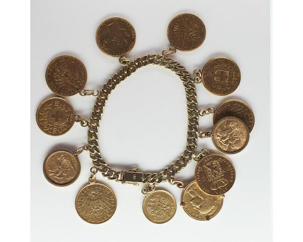 A flattened curb-link bracelet