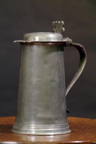 A late 17th Century flat lidded 'York' straight-sided flagon, circa 1690