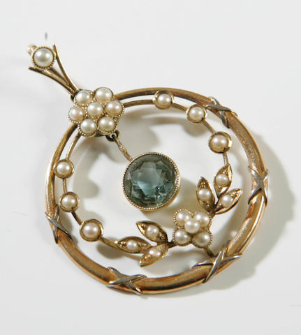 An Edwardian 15ct gold pearl and aquamarine pendant