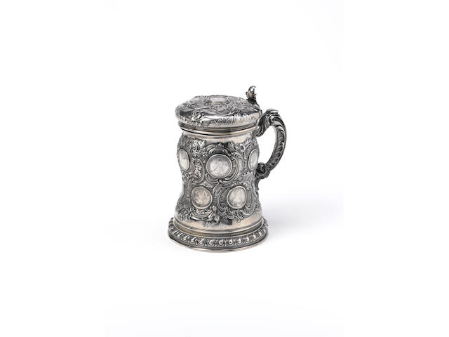 A massive silver tankardFabergé, Julius Rappoport, St. Petersburg, 1908-1917, retailed in Moscow