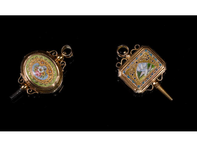 A fine gold and enamel oval musical watch key, Swiss, circa 1825,