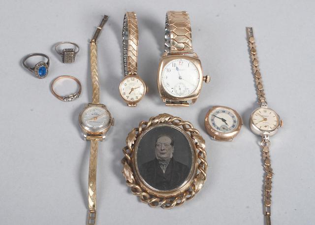 A 9ct gold cased Waltham wrist watch (9)