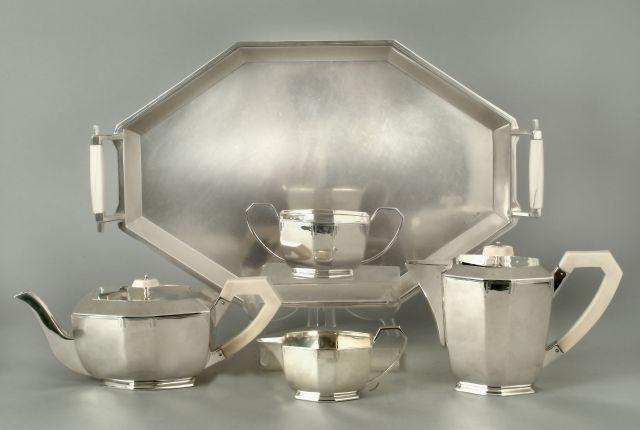 An Elizabeth II five-piece tea service by Edward Viner, Sheffield 1946-1957