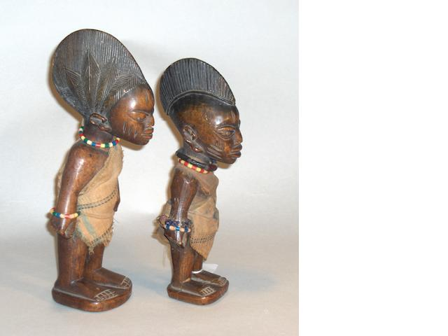 Two Yoruba male twin figures, Nigeria 25 and 27cm high 2