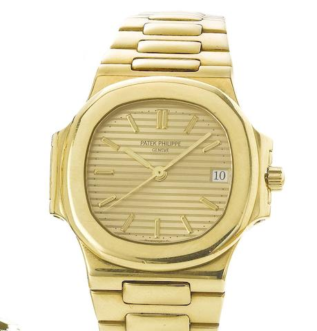 Patek Philippe. A fine 18ct gold automatic calendar bracelet watchNautilus, Ref:3800/1, Case No.2893487, Movement No.1429650, 1990's