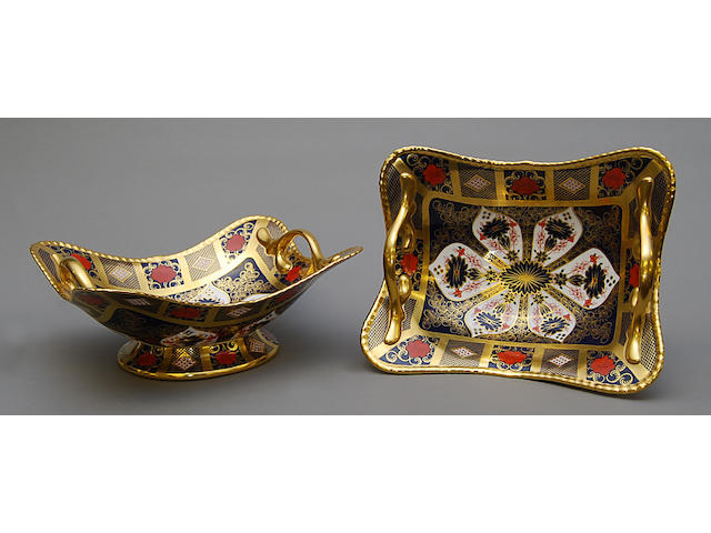 A pair of Royal Crown Derby Imari pedestal dishes