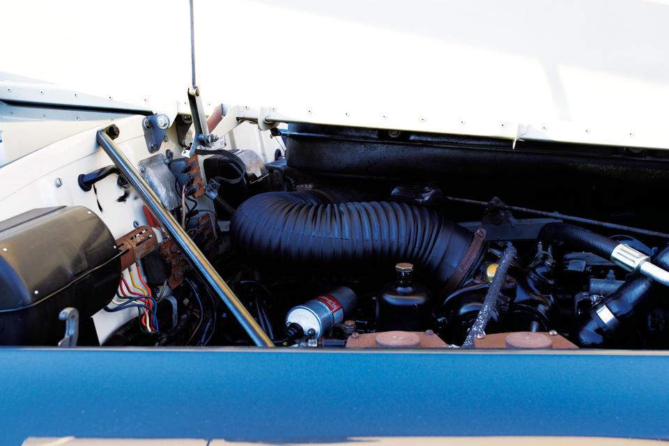 ex-New York Auto Show, 19.677miles  d'origine,1961 Rolls-Royce Silver Cloud II Drophead Coupé  Chassis no. LSAE9 Engine no. 5ES