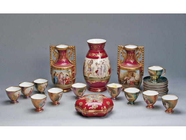A pair of Vienna vases  (a lot)