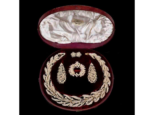 A cased collection of seed pearl jewellery,