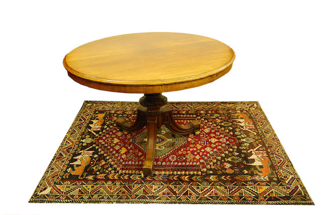 A Victorian mahogany tilt-top centre table