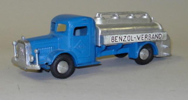 Marklin (pre-war) 5521/26 Benzol-Verband Aral tanker lorry