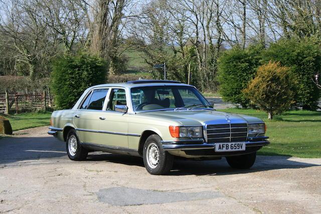 Mercedes-Benz 380 SEL,