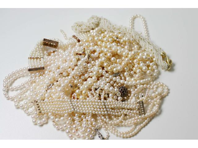 A collection of cultured pearl necklaces and bracelets (19)