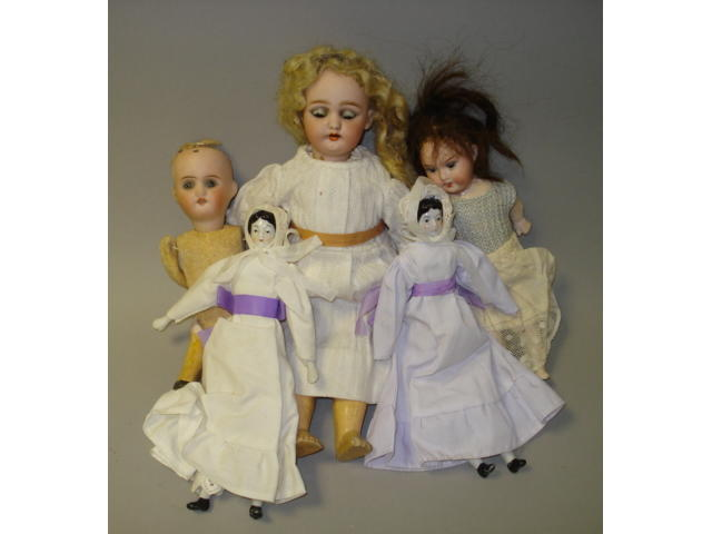 Large collection of dolls lot