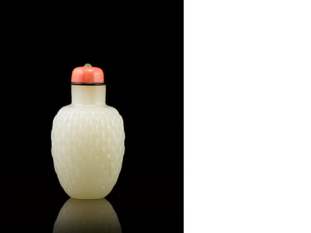 A white jade 'basket weave' snuff bottle mid Qing dynasty
