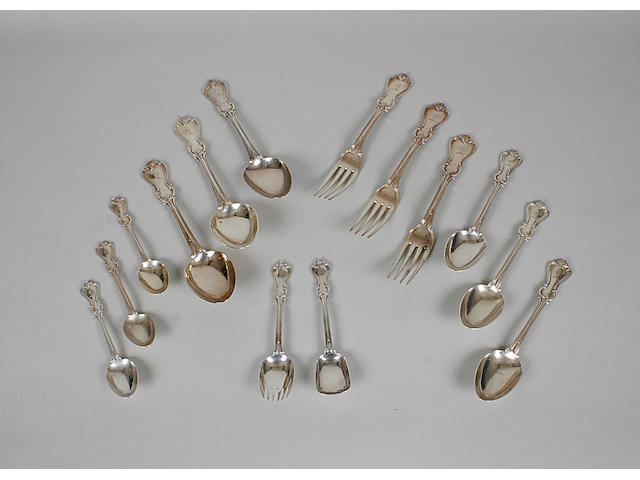 An early Victorian canteen of Albert pattern cutlery  by William Evans London 1845  (60)
