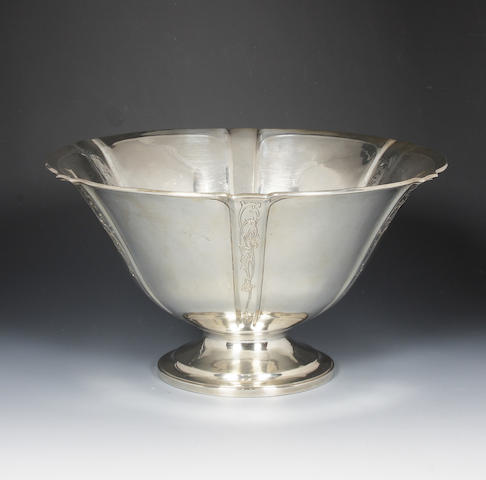 An early 20th century American silver bowl by Arthur Stone With stamped facsimile signature and 'Sterling',