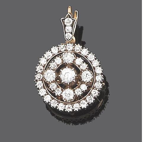 A diamond target cluster brooch/pendant,