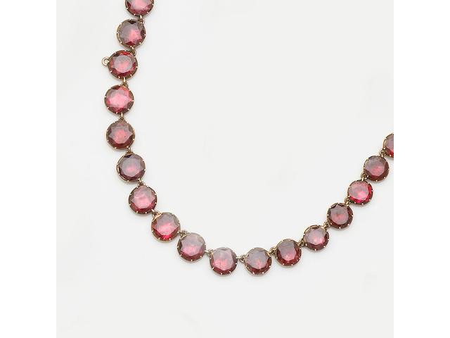 A Georgian garnet necklace