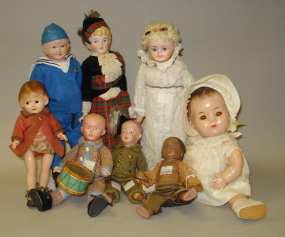 Collection of various doll lot