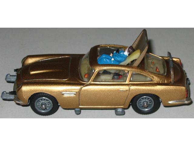 Corgi pre-production 261 James Bond Aston Martin DB5