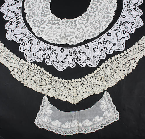 A circular bertha of Flemish bobbin lace