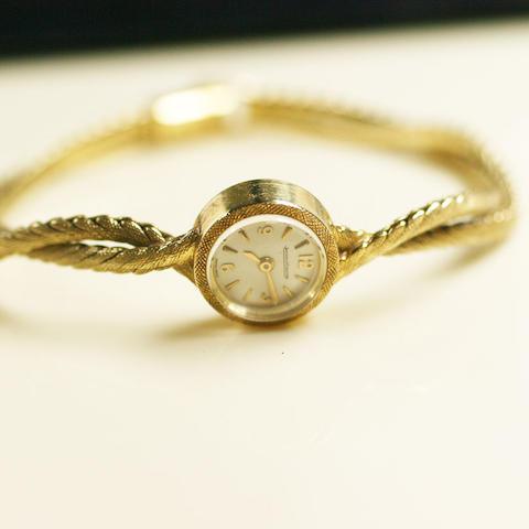 Jaeger le Coultre: An 18ct lady's wristwatch