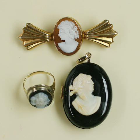 A collection of cameo jewellery, (3)