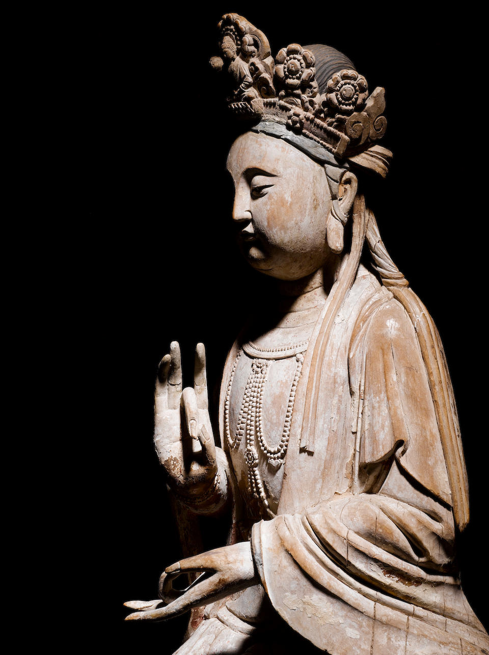 An important and rare large wood figure of Guanyin Song/Jin Dynasty, 11th/12th century