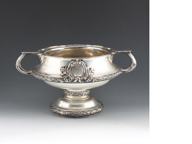 A silver twin handled presentation cup By Elkington and Co, Birmingham, 1916,