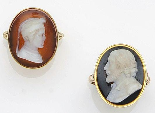 A hardstone cameo ring