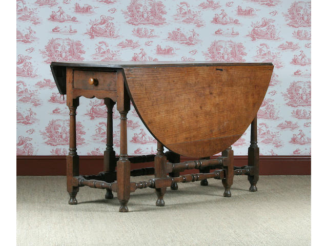 An oak gateleg table, early 18th Century