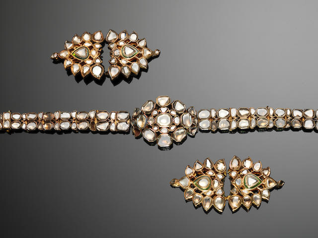 A suite of diamond-set gold Jewellery items India, 19th Century(13)