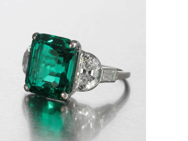 A fine art deco emerald and diamond ring,
