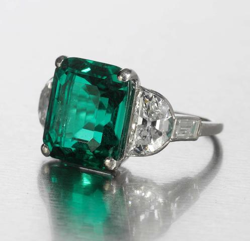 A fine art deco emerald and diamond ring,